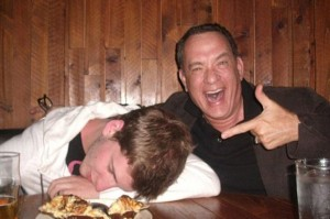 TOM HANKS POSES WITH A DRUNK FAN-1284121